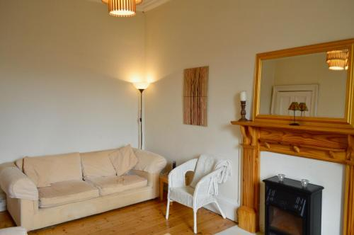 Central and Homely 1 Bedroom Flat