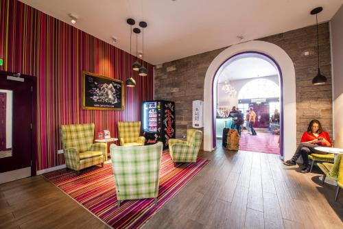 The lobby or reception area at Safestay Edinburgh Royal Mile