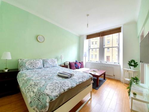 Airy, Studio In The Heart Of West End