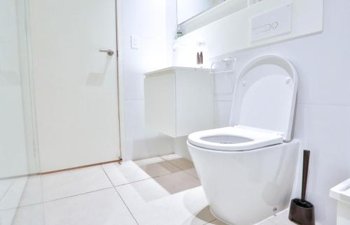 A bathroom at South Yarra Claremont Apartment