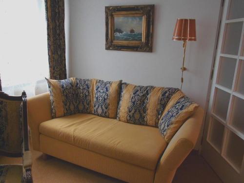 Ein Sitzbereich in der Unterkunft Pension Am Museum