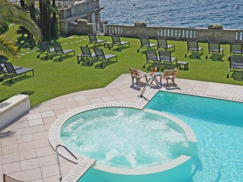 Výhled na bazén z ubytování Hotel Villa Capri nebo okolí