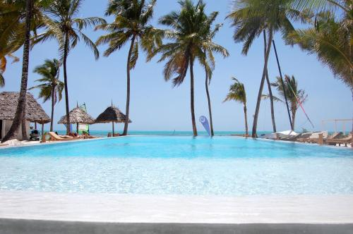 The swimming pool at or close to The Loop Beach Resort