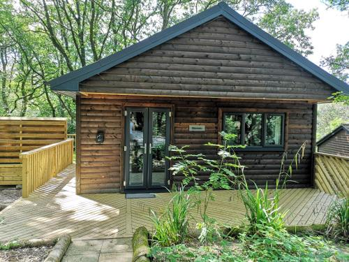 BlueStone-Hot Tub-Woodlandlodges-Pembrokeshire-Tenby