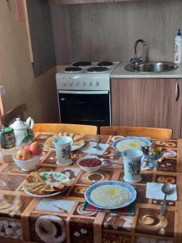 A kitchen or kitchenette at Guest House Naran
