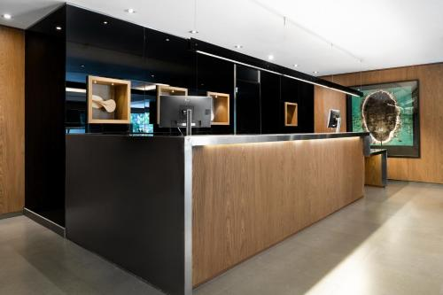 The lobby or reception area at AC Hotel General Alava