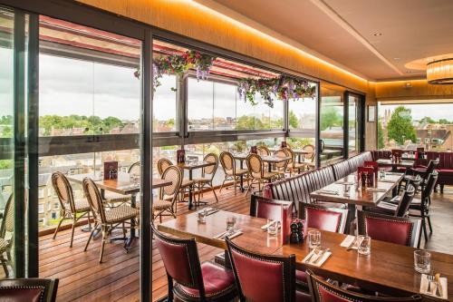 Ресторан / где поесть в The Varsity Hotel & Spa