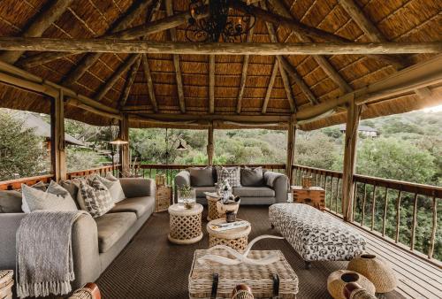 A seating area at Bukela Game Lodge - Amakhala Game Reserve