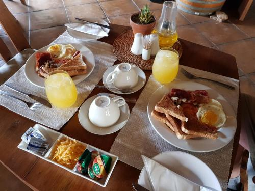 Breakfast options available to guests at African Game Lodge