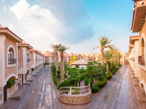 A balcony or terrace at Meral Oasis Resort Taif