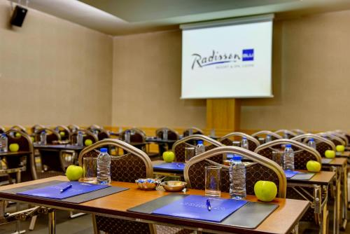 The business area and/or conference room at Radisson Blu Resort & Spa Cesme