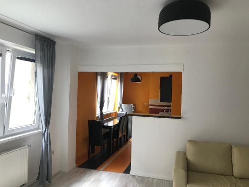 TV a/nebo společenská místnost v ubytování Apartmán Hodruša-Hámre