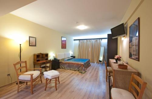 Τραπέζι μπιλιάρδου στο Efplias Hotel Apartments