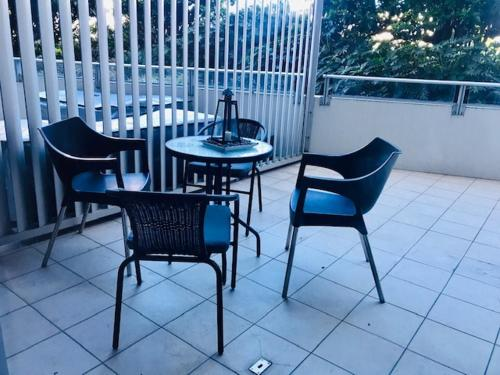 A balcony or terrace at Wyndel Apartments - Shelley