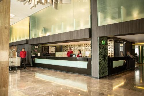 El vestíbulo o zona de recepción de Hotel Marbella