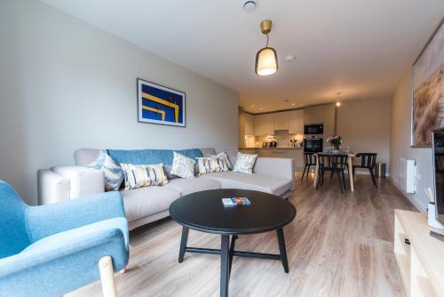 5 star brand new city centre apartment