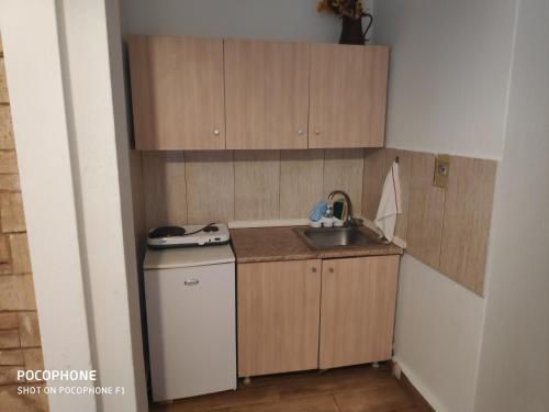 Η κουζίνα ή μικρή κουζίνα στο Bambola