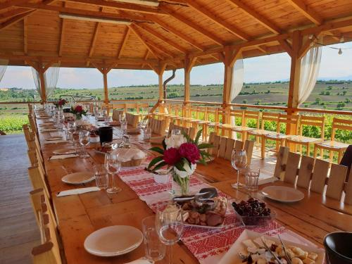 A restaurant or other place to eat at Sarea-n Bucate (Crama la Salina)