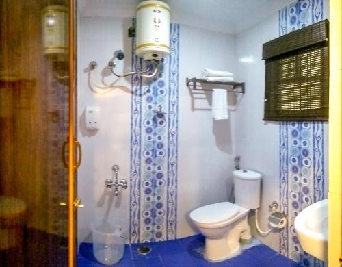 A bathroom at Octave Hotel and Spa - JP Nagar