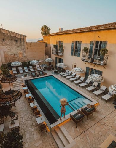 Utsikt över poolen vid Ten Mallorca eller i närheten