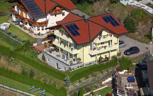 A bird's-eye view of Haus Heigl