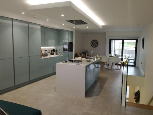 Portrush luxury apartment, Currangate
