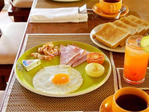 Breakfast options available to guests at Amatapura Beachfront Villa 15