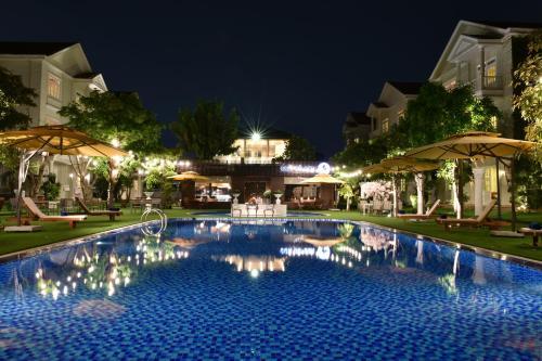 The swimming pool at or close to TOKI SAI GON RESORT & SPA