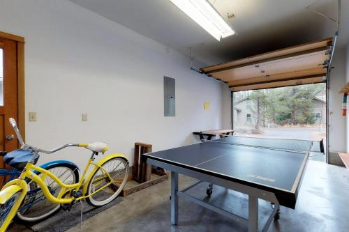 Ping-pong facilities at 15 Filbert or nearby