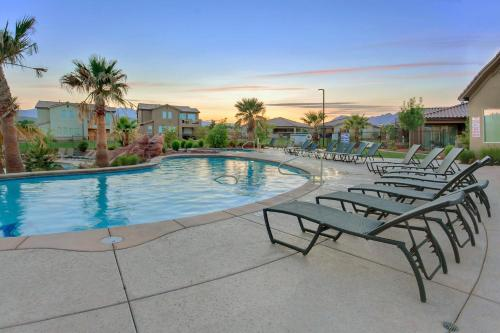The swimming pool at or near Sunset: Paradise Village #50