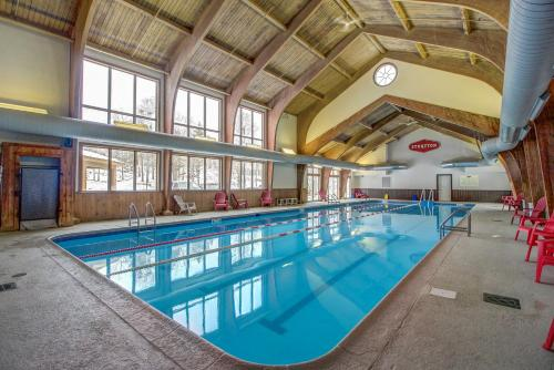 The swimming pool at or near Vantage Point #41