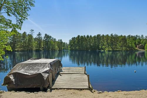 A view of a lake near the vacation home