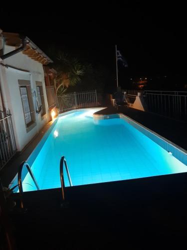 Πισίνα στο ή κοντά στο Ξενοδοχείο Ελίζα