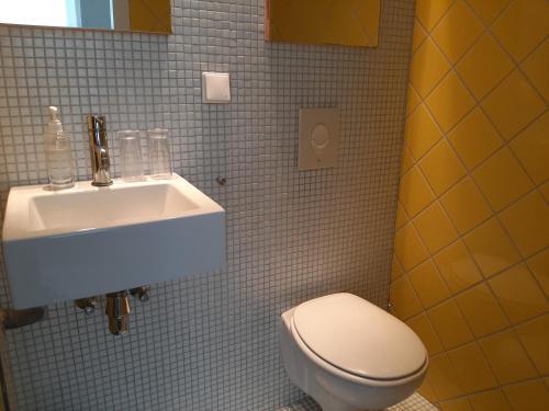 A bathroom at Bickersbed