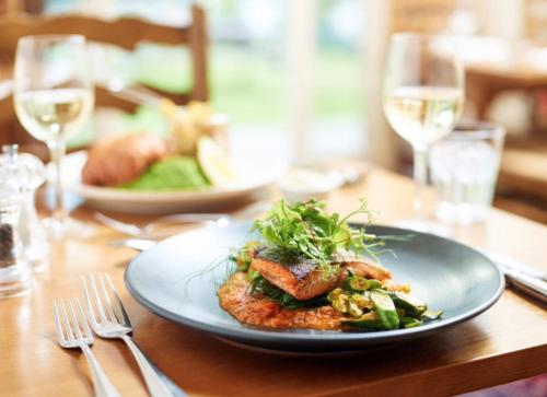 Lunch and/or dinner options for guests at The Kilpeck Inn