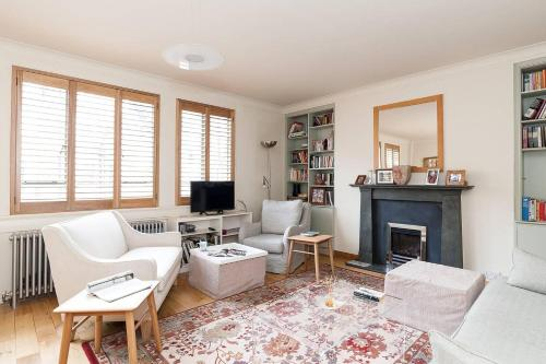 3BR Flat in Trendy Notting Hill