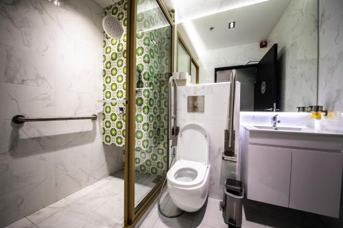 A bathroom at CUBE Boutique Capsule Hotel @ Kampong Glam (SG Clean)