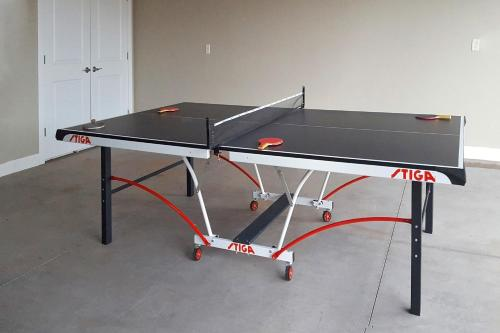 Ping-pong facilities at Red Cliff View Luxury Home: Paradise Village #2 or nearby