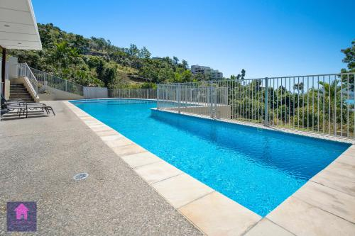 The swimming pool at or near Amazing Ocean views, Pool, Award winning location, Airlie Beach