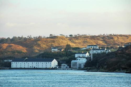 15 Distillery House