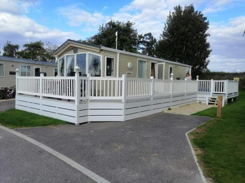 Caravan for rent at Tattershall Holiday Park