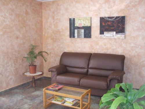 A seating area at Alojamiento Casa Juan