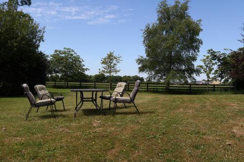 A garden outside Broomfield lodge