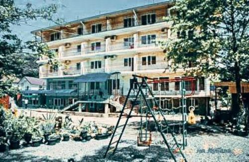 Гостиница Алеандр зимой