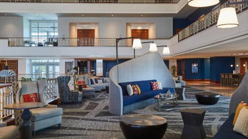 The lobby or reception area at Renaissance Concourse Atlanta Airport Hotel