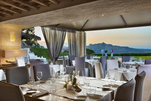 A restaurant or other place to eat at Petra Segreta Resort & Spa
