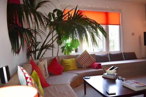 1 Bedroom Flat in Prestigious Hove Villas Close to Sea