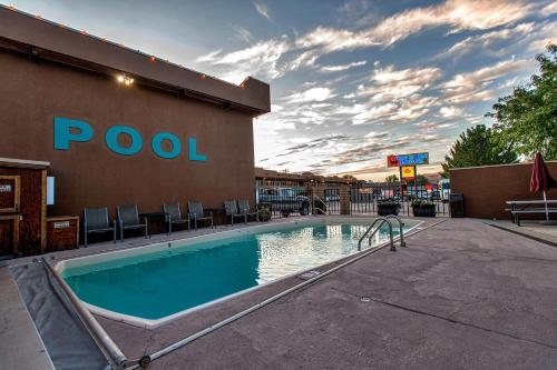 The swimming pool at or near Big Horn Lodge