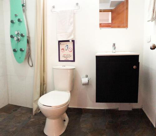 A bathroom at Casa Ebano 967