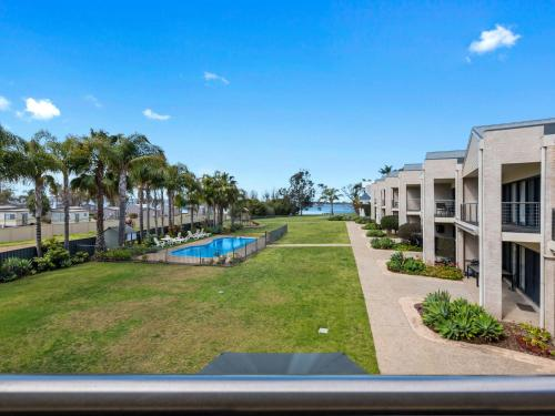 A view of the pool at ELSINOR Townhouse 3 Mulwala or nearby